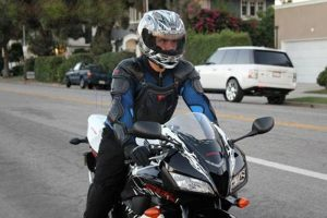Quần áo bảo hộ xe máy